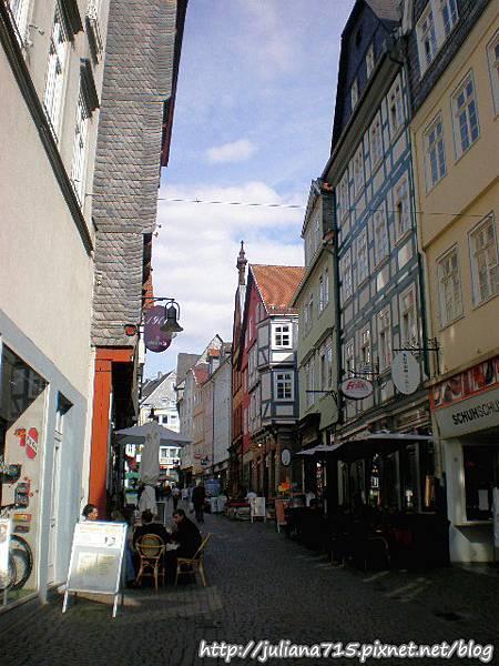 PhotoCap_08091943 馬堡舊城街景 (Helen).jpg