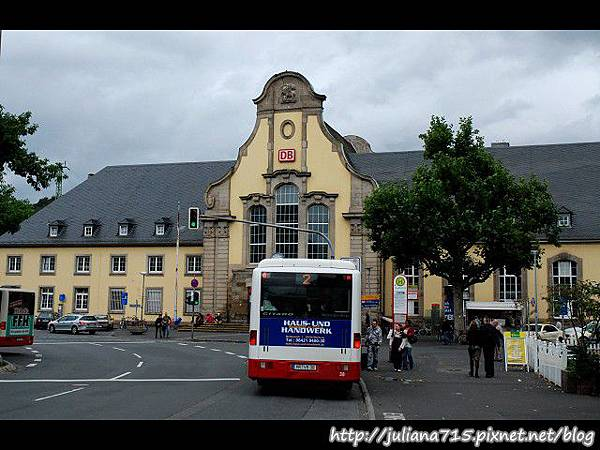 PhotoCap_08090720 馬堡火車站 (YS).jpg