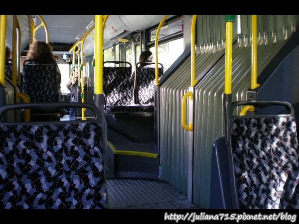 PhotoCap_08092701公車 (Helen).jpg