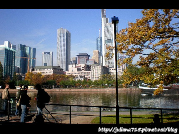 PhotoCap_081018027 (Helen).jpg