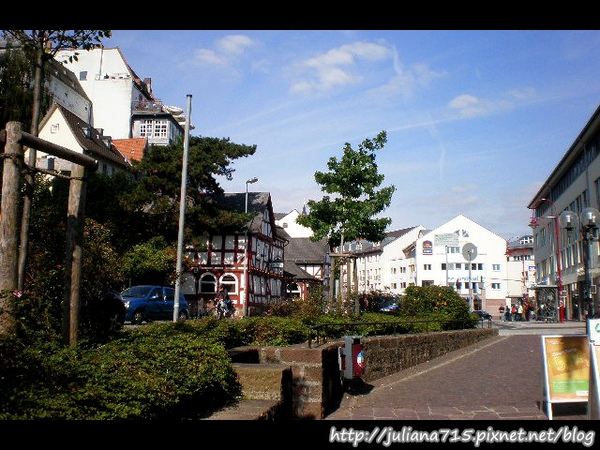 PhotoCap_08091901 馬堡街景 (Helen).jpg