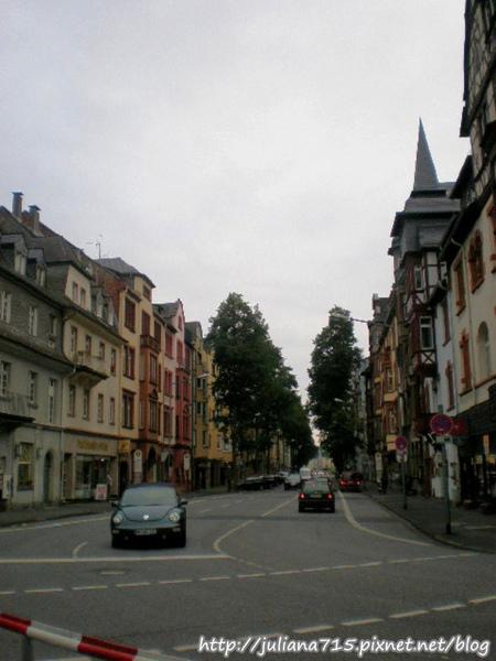 PhotoCap_08091513 馬堡街景 (Helen).jpg
