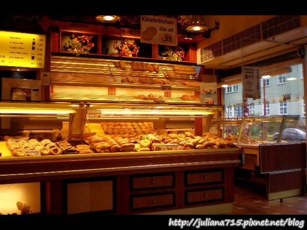 PhotoCap_08092304 麵包店 (Helen).jpg