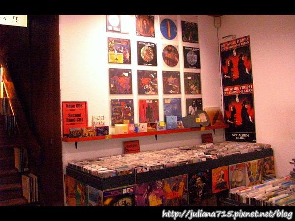 PhotoCap_08101702 二手CD店.jpg