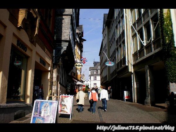 PhotoCap_08091951 馬堡舊城街景 (Helen).jpg