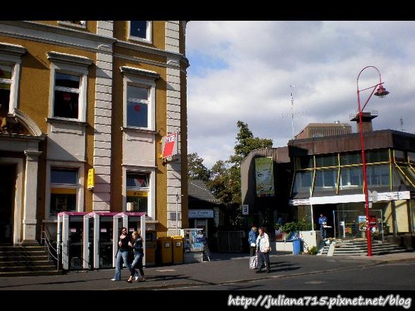 PhotoCap_080920163 馬堡街景郵局 (Helen).jpg