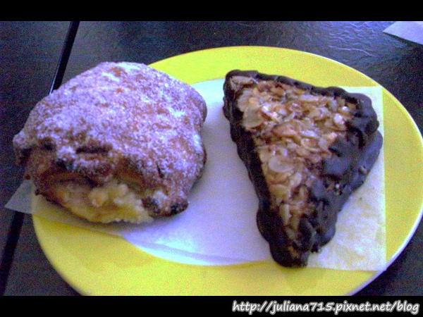 PhotoCap_08091544 午餐 甜麵包.jpg