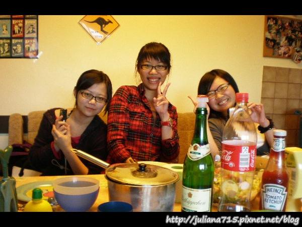 PhotoCap_08100446 生日宴小倩 (Helen).jpg