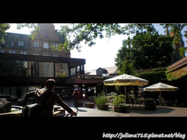 PhotoCap_08091906 馬堡街景 (Helen)P01.jpg