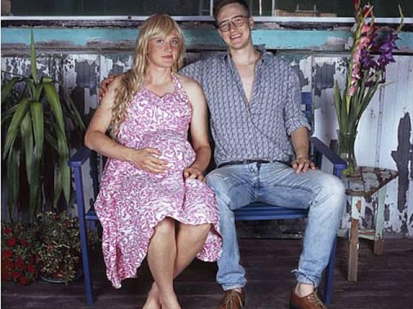 一人飾兩角的情侶照1