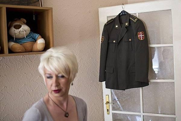 塞爾維亞變性軍官1