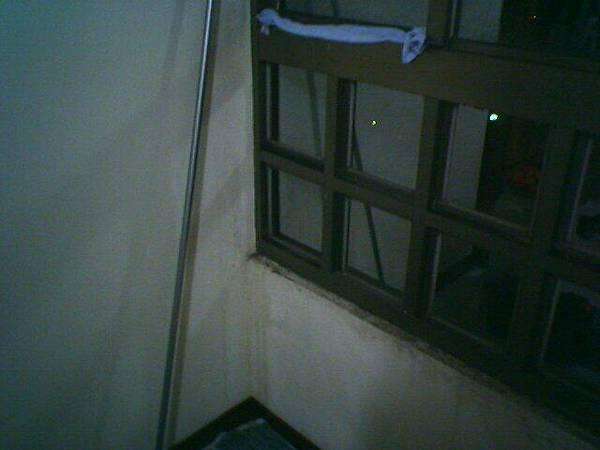 這邊的窗戶也是