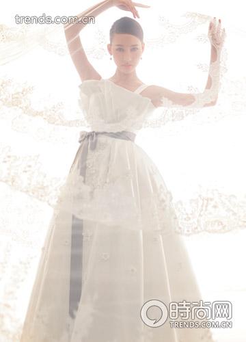 資料來源:時尚網/時尚新娘2010.11
