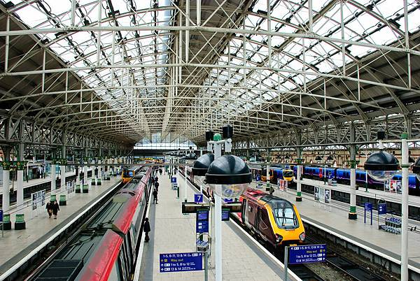 Manchester_Picadilly_Station