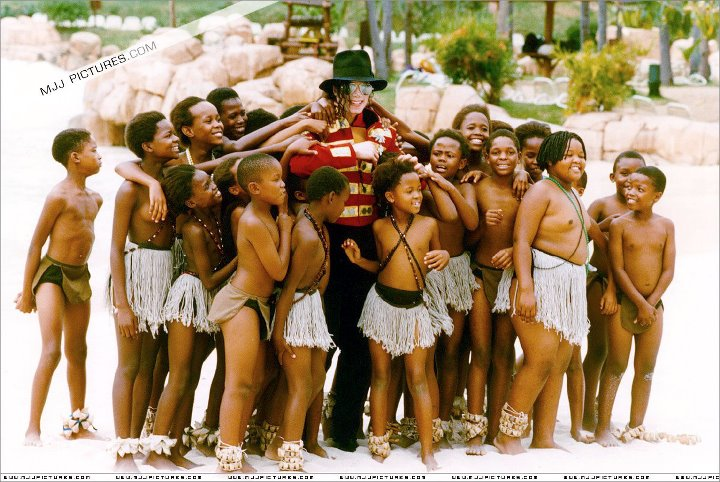 mj-with-african-kids