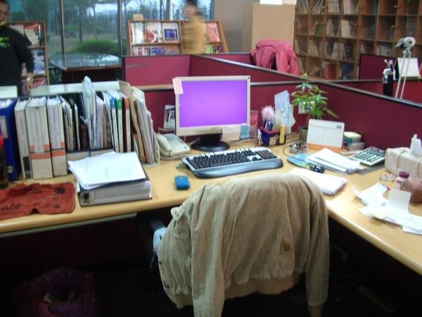 新辦公室/辦公桌