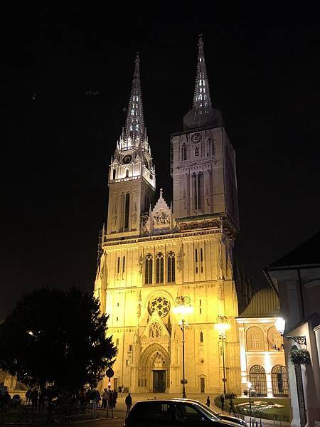 IMG_8752(Zagreb Cathedral exterior).JPG