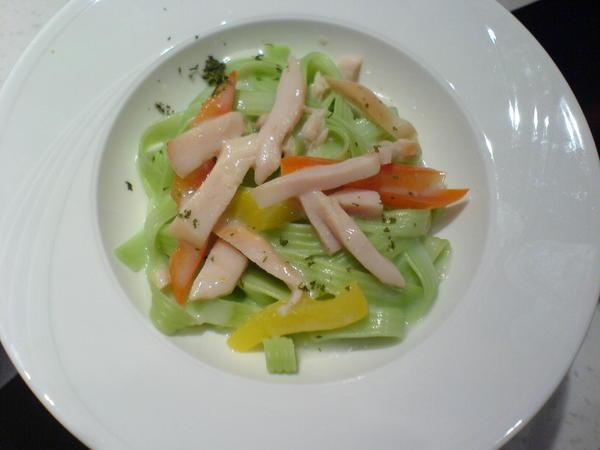燻雞菠菜義大利麵 062.jpg