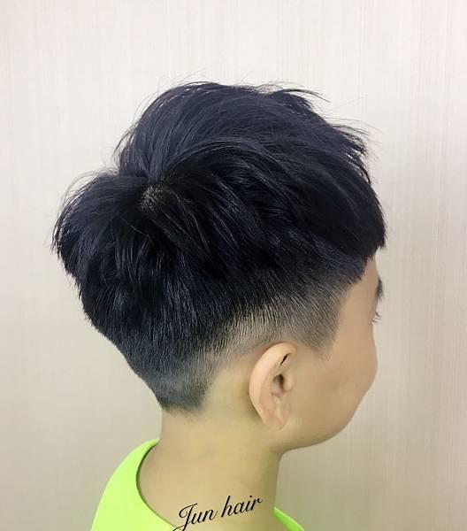 台北小孩推薦剪髮,北車推薦剪髮.jpg
