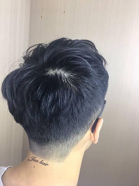 男生專業剪髮,網路推薦.jpg