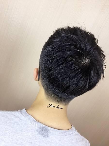 台北車站推薦剪髮,男生剪髮.jpg