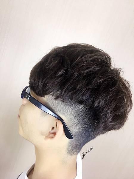 網路推薦男生燙髮,北車推薦設計師jun.jpg