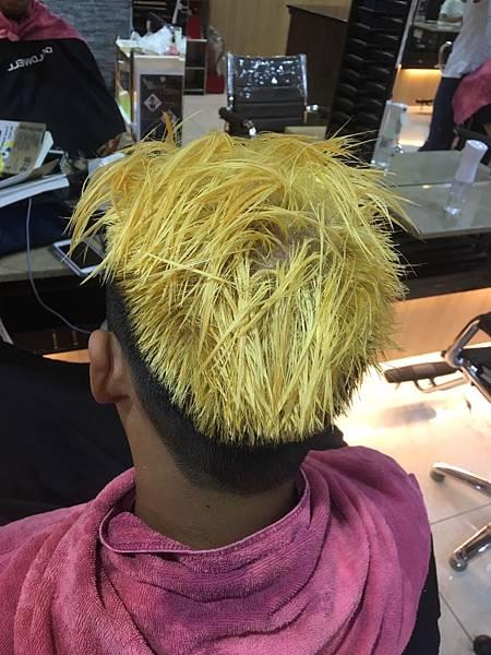 頭髮退色,漂髮色.jpg