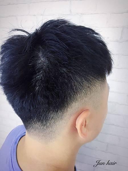 乾淨俐落髮型,男士剪髮推薦.jpg