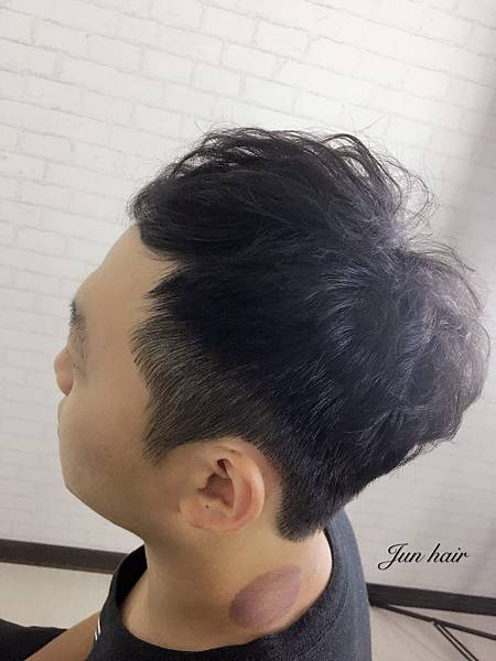 男生造型,髮根燙.jpg