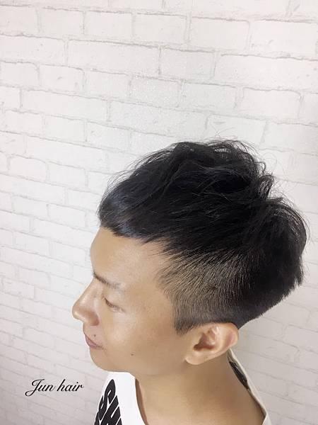 髮線太高,男士專業剪髮.jpg