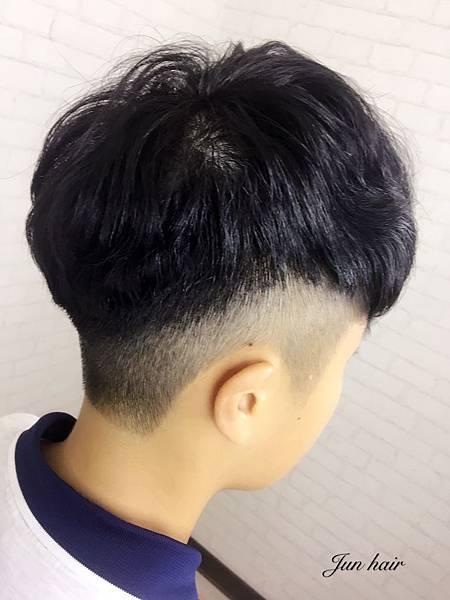 網路推薦男生燙髮.jpg