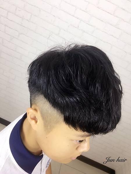 台北車站剪髮推薦,男士專業剪.jpg
