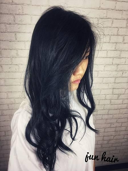質感深黑色,網路推薦女生染髮.jpg