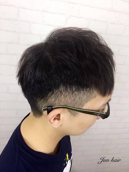 台北推薦男生剪髮,北車便宜剪髮.jpg