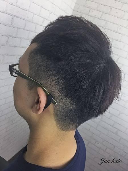 北車男生剪髮推薦,專業男生剪髮.jpg