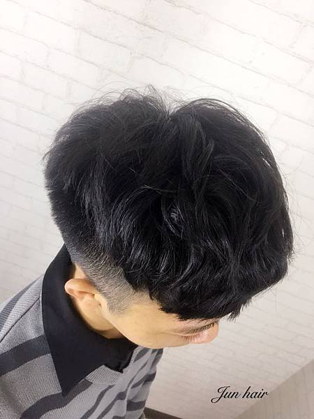 男生專業剪髮,北車推薦設計師-jun.jpg
