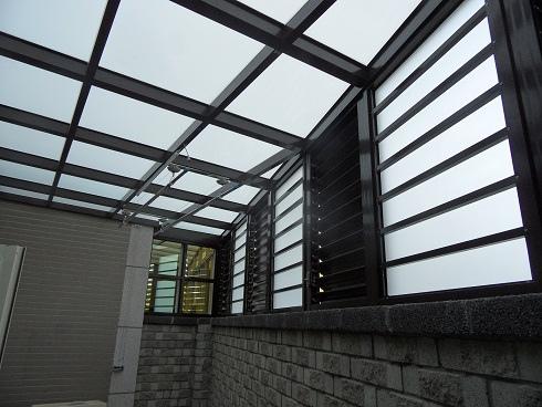 全家花園一樓後院玻璃屋