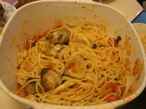 吃到剩一半的意大利麵~~~好好吃唷~~~
