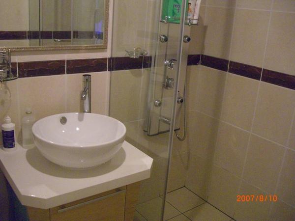 樓下廁所_淋浴
