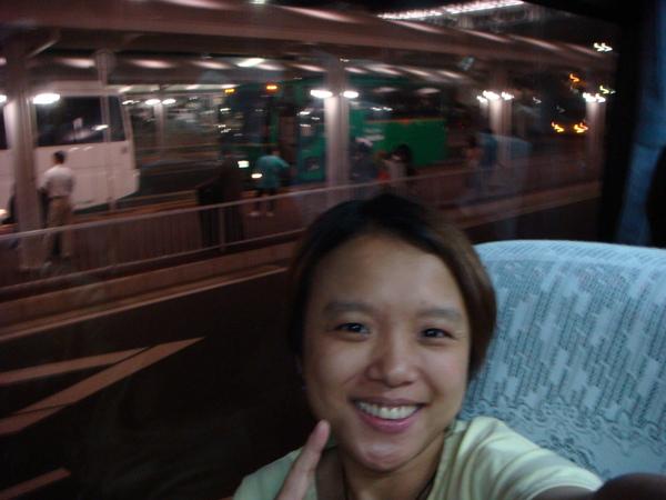 從成田機場到京王飯店..坐車要二個小時..@@