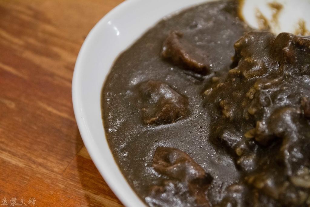 [食記] 大阪 船場咖哩 墨魚的黑 與看天氣的辣度
