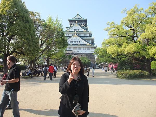 好心人幫我拍的大阪城合照XD