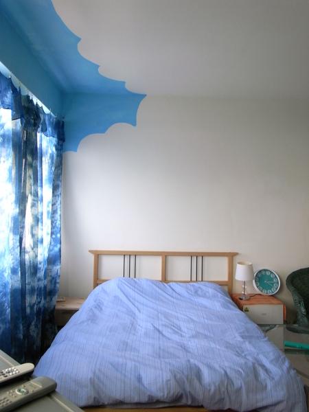 海藍的雙人床正照