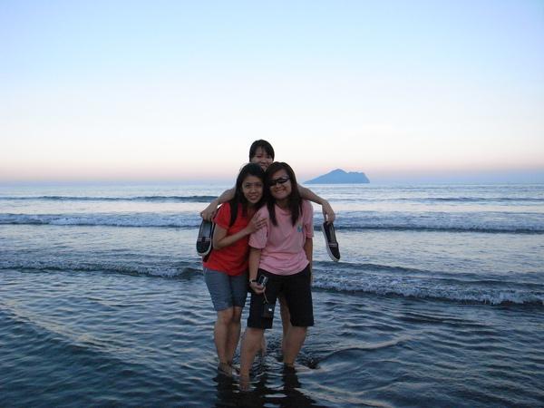 烏石港的三個新加坡女生