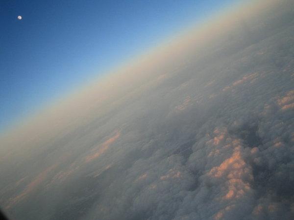 從飛機裡外拍的景色