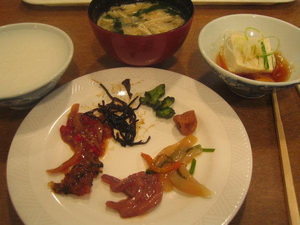 溫泉飯店的日式早餐