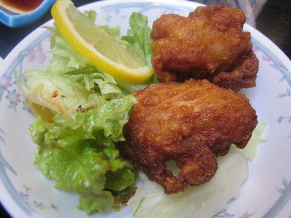 日式定食加炸雞