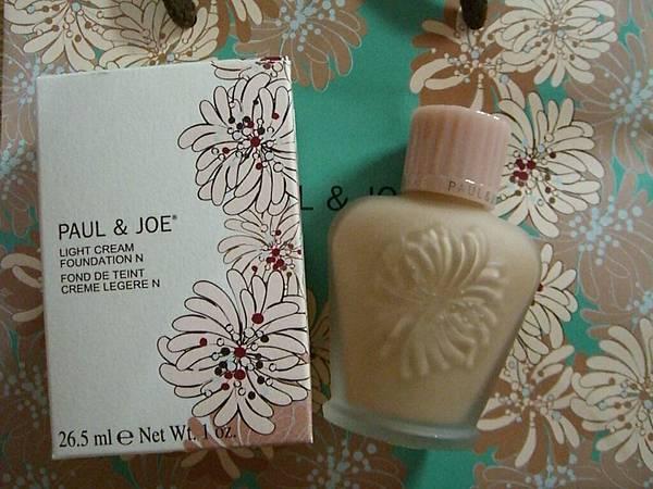 Paul & Joe 搪瓷粉底乳