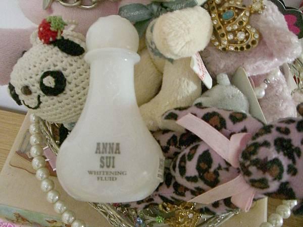 Anna Sui美白化妝水