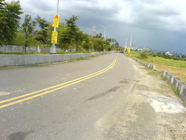 去學校我很喜歡騎這條路.JPG